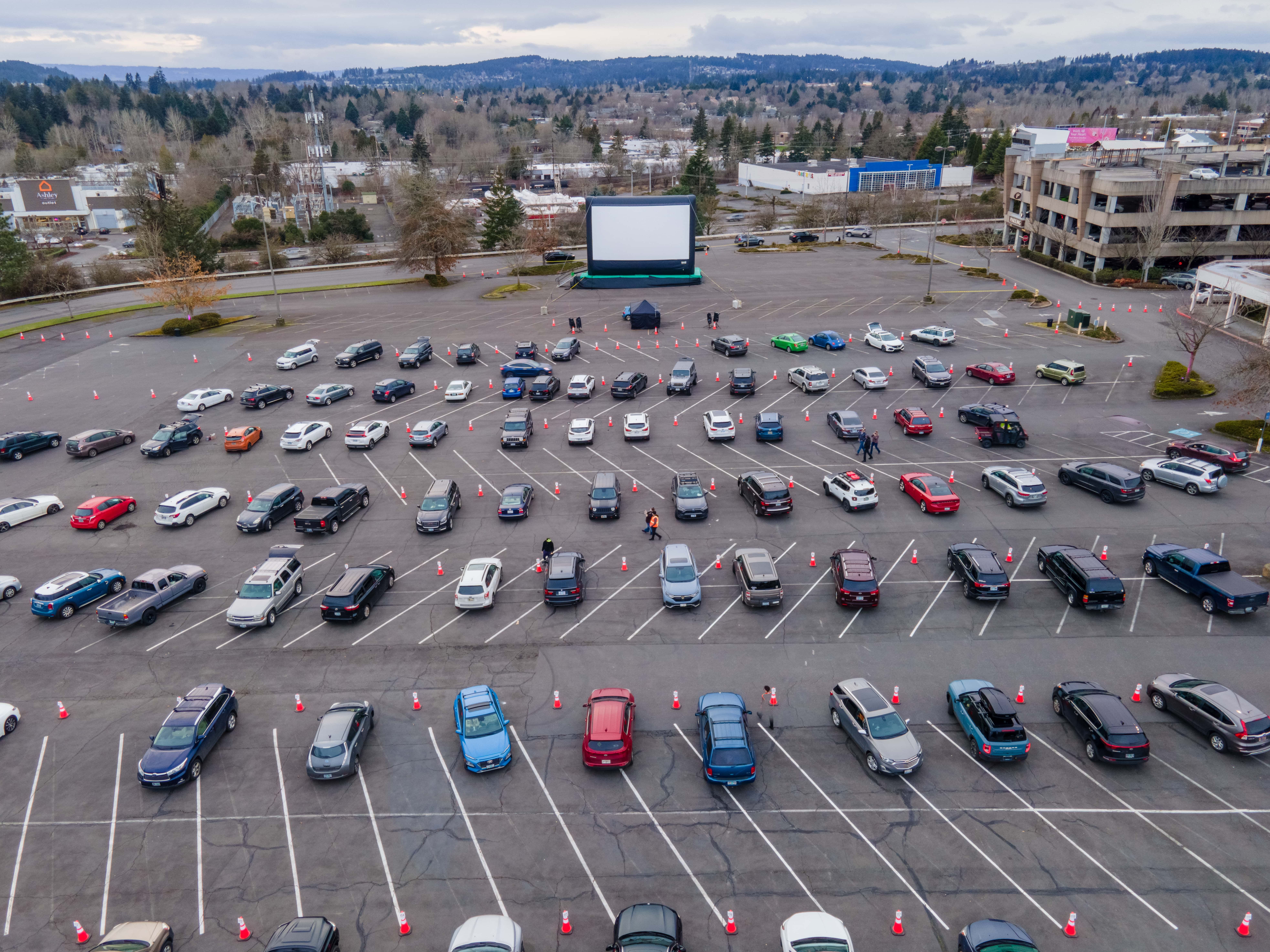Drive-In Dinner & Movie Experience – Love Struck Drive-In